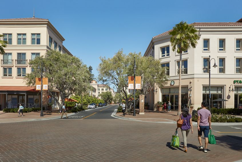 Exterior view of Santa Clara Square Apartment Homes in Santa Clara, CA.