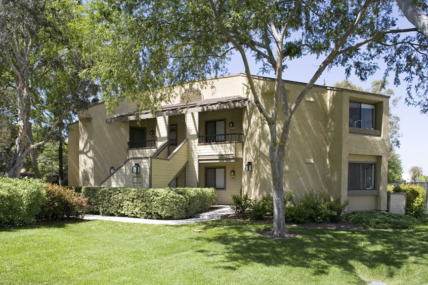 Exterior view of Cedar Creek Apartment Homes in Irvine, CA.