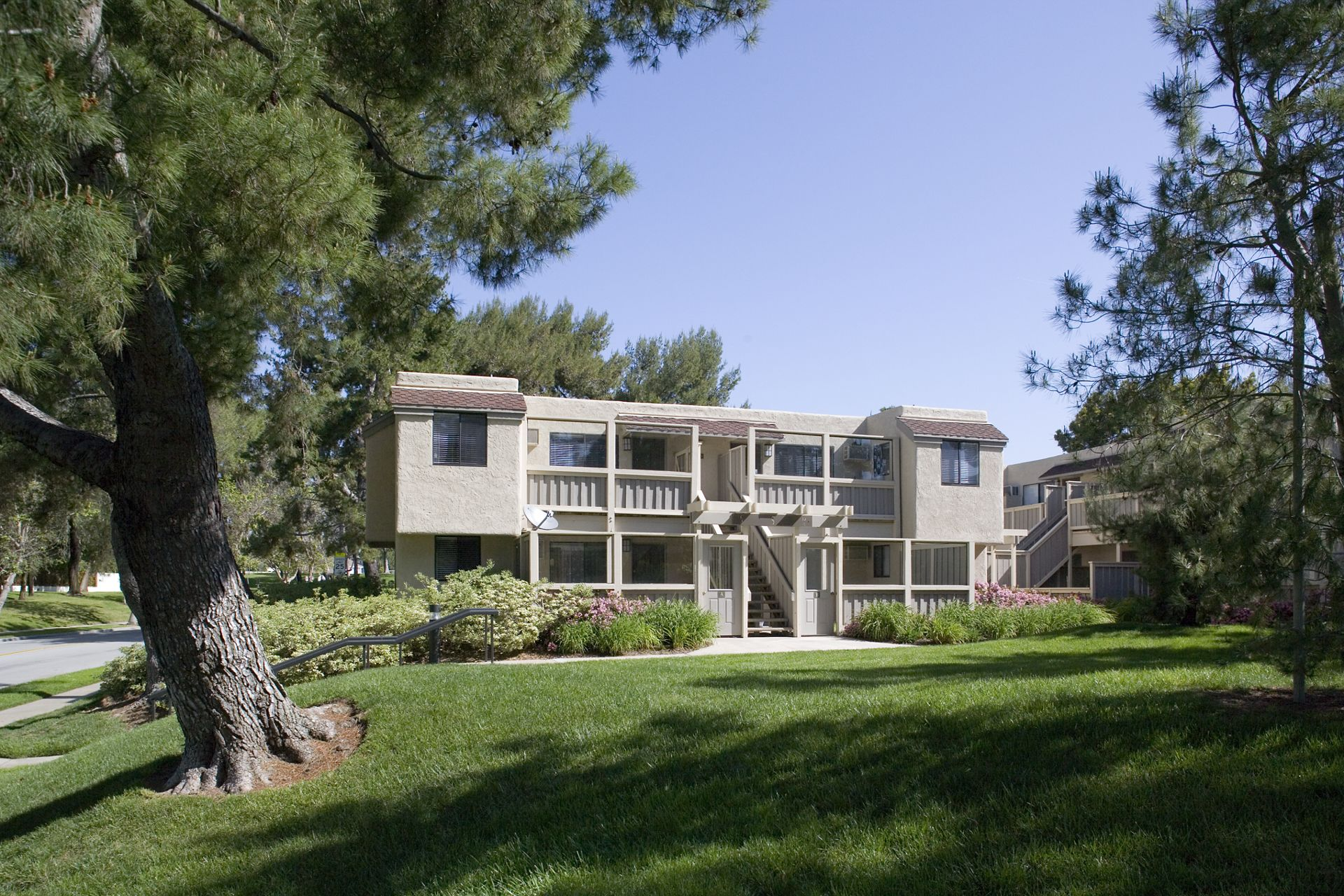 Exterior view of Parkwood Apartment Homes in Irvine, CA.
