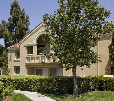 Exterior view at San Leon Villa Apartment Homes in Irvine, CA.