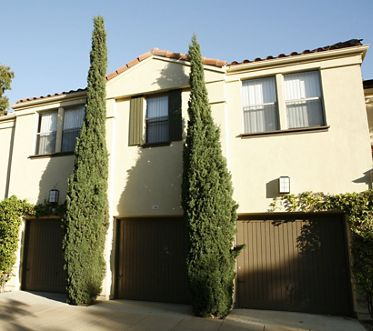 Exterior view of San Mateo Apartment Homes in Irvine, CA.