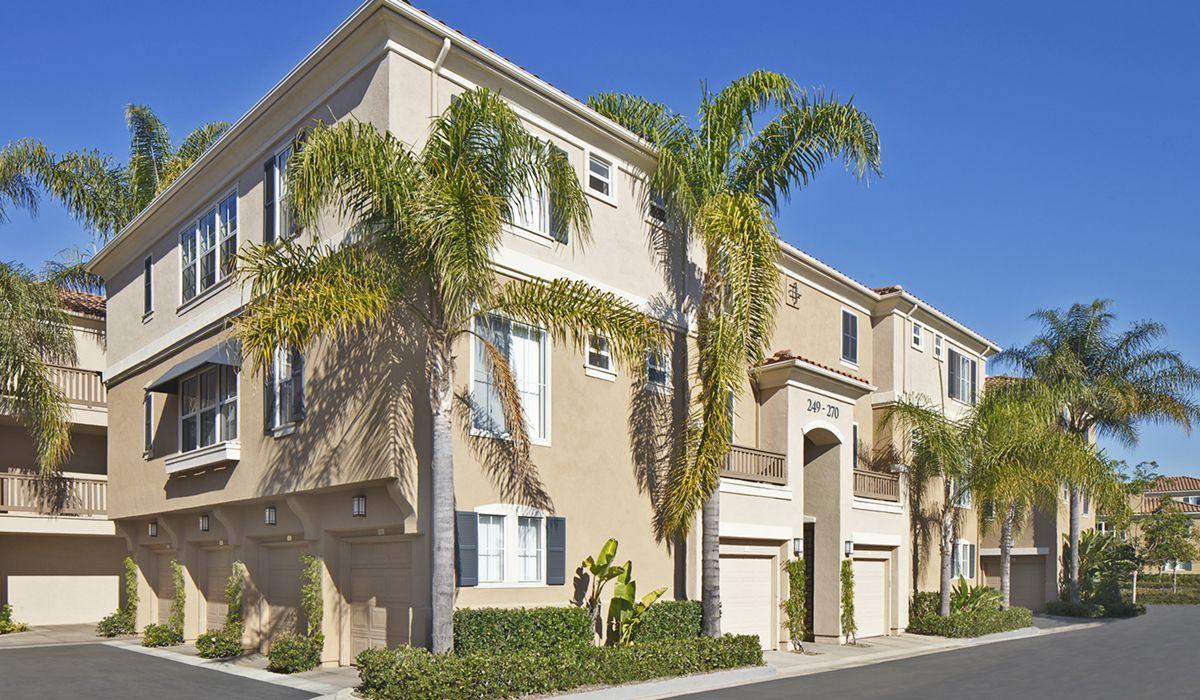 Exterior view of Santa Clara Apartment Homes in Irvine, CA.