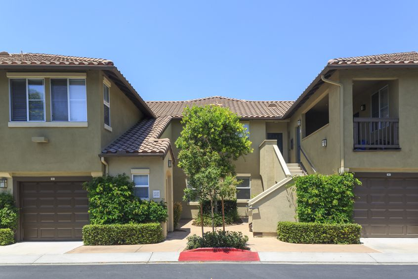 Exterior view of Solana Apartment Homes in Irvine, CA.