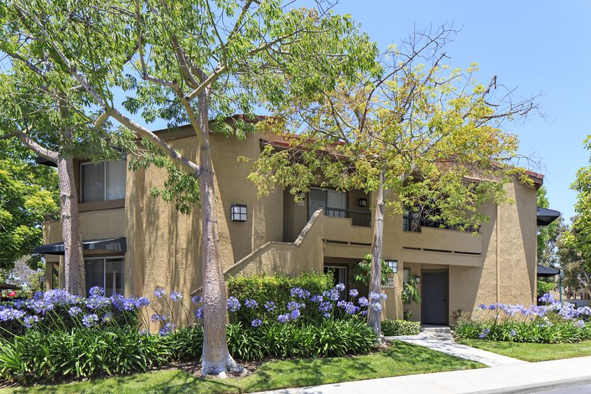 Exterior view of Stanford Court Apartment Homes at University Town Center in Irvine, CA.