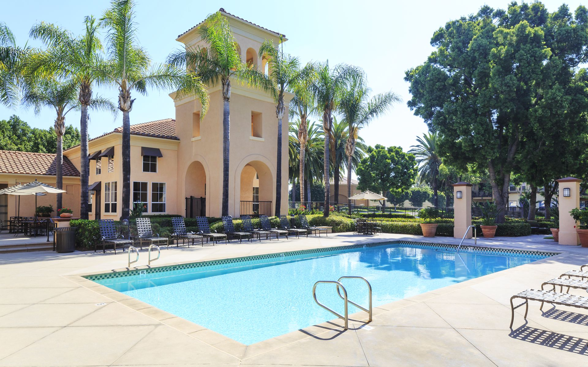 Villa Coronado Apartments in Irvine - 1 - 3 Bedroom & Studios