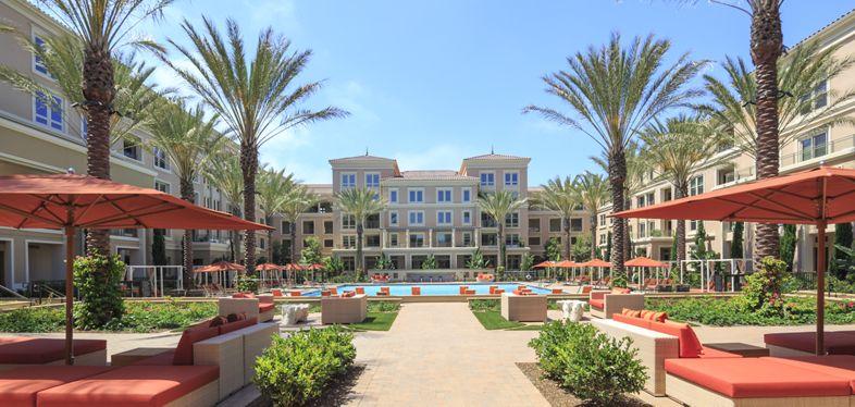 Exterior view at Villas Fashion Island Apartment Homes in Newport Beach, CA.