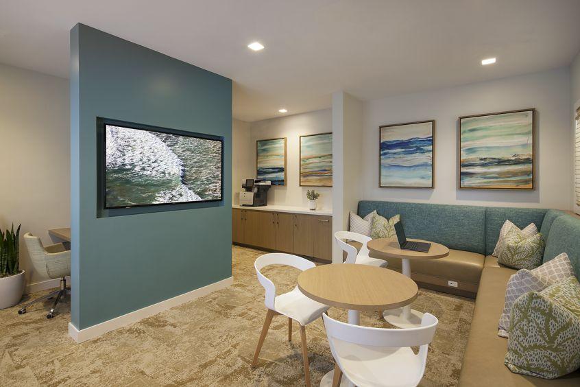 Interior view of the i-lounge at at Las Flores Apartment Homes in Rancho Santa Margarita, CA.