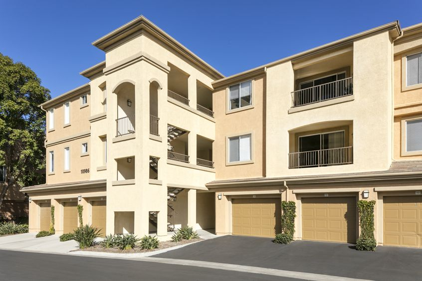 Exterior view of Torrey Hills Apartment Homes in San Diego, CA.