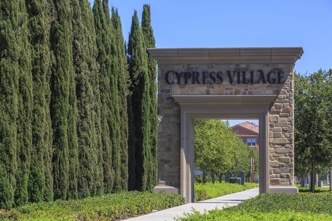General views of Cypress Village Community. Lamb 2014.