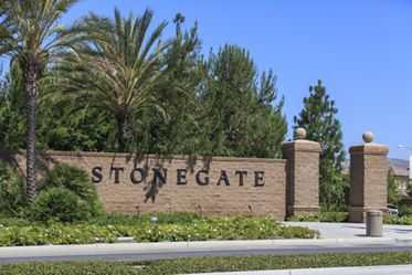 General views of Stonegate Community signage. Lamb 2014.