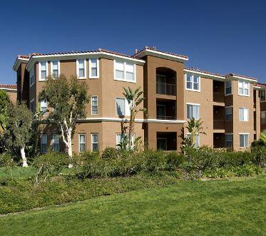 Exterior views of Vista Bella Apartment Homes. Off-Ranch. Archstone 2008.