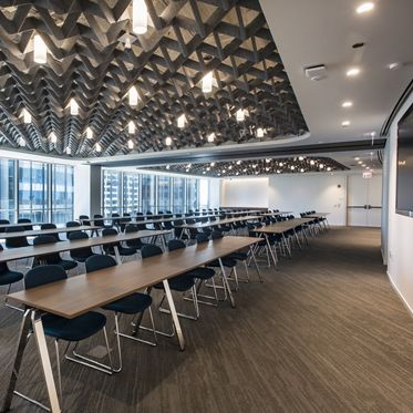 Photography of Venue71 - the conference center at 71 South Wacker in Chicago, IL