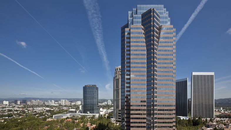 Exterior view of 2121 Avenue of the Stars Office Properties in Los Angeles, CA.