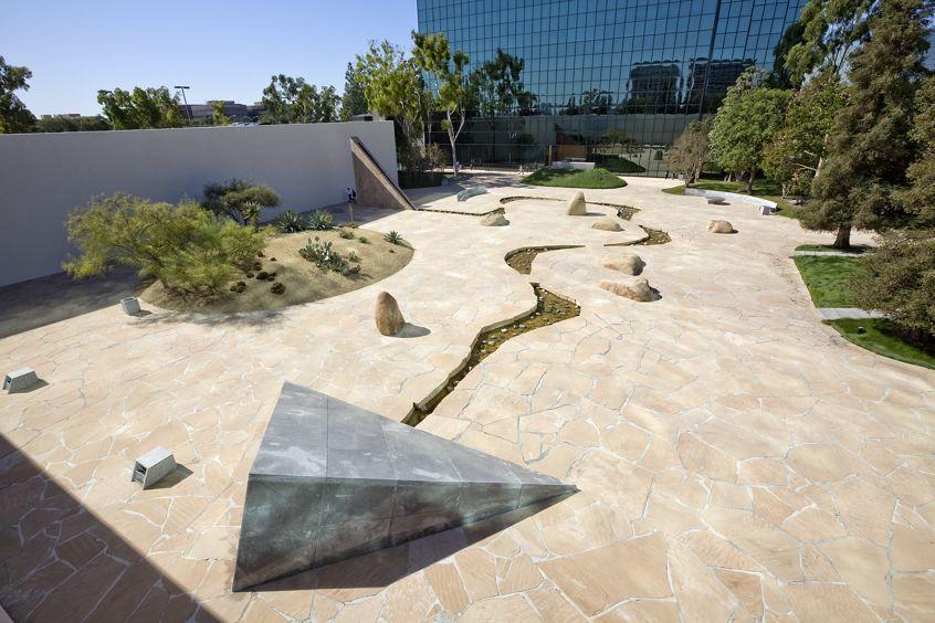 California Scenario at Pacific Arts Plaza.