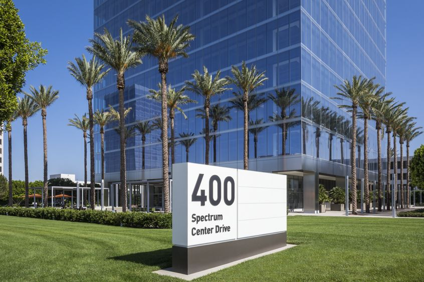 Image of building and monument signage at 400 Spectrum Center Drive, Irvine, Ca 92618