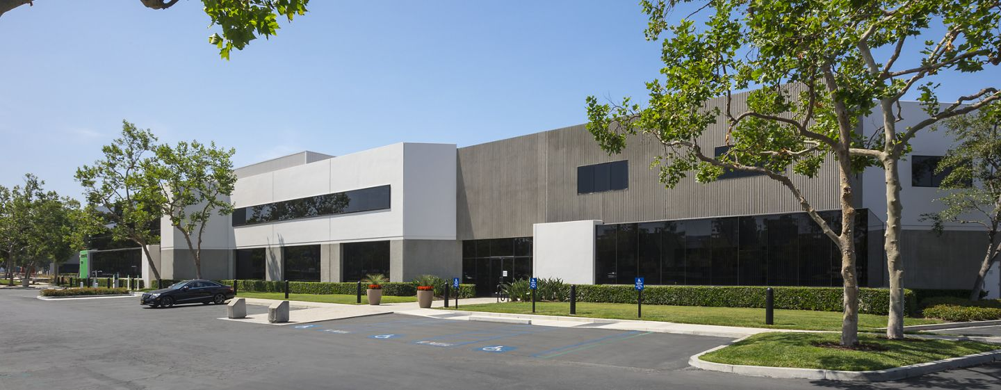 Exterior view of 9400 Jeronimo Road office building at Alton/Jeronimo Business Park.
