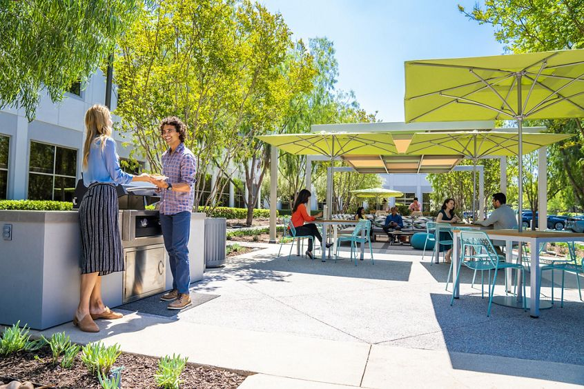Lifestyle photography of The Commons at Oak Creek Business Center - 6440 Oak Canyon in Irvine, CA