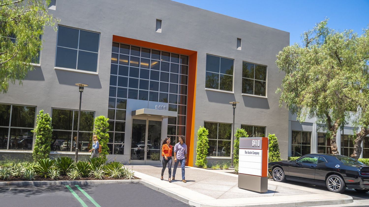Lifestyle photography of the building entry at Oak Creek Business Center - 6410 Oak Canyon in Irvine, CA
