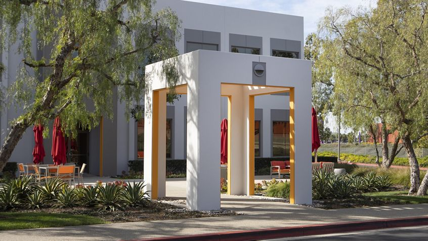 Building photography of Market Place Center - 3200 El Camino Real in Irvine, CA