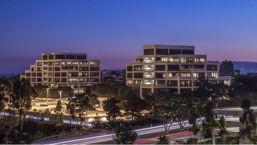 Building hero image of La Jolla Gateway in San Diego, Ca