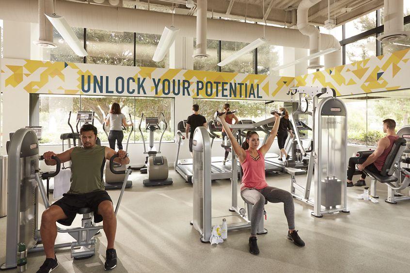 Image of Kinetic fitness center at 3111 Camino Del Rio North, Centerside, San Diego, California