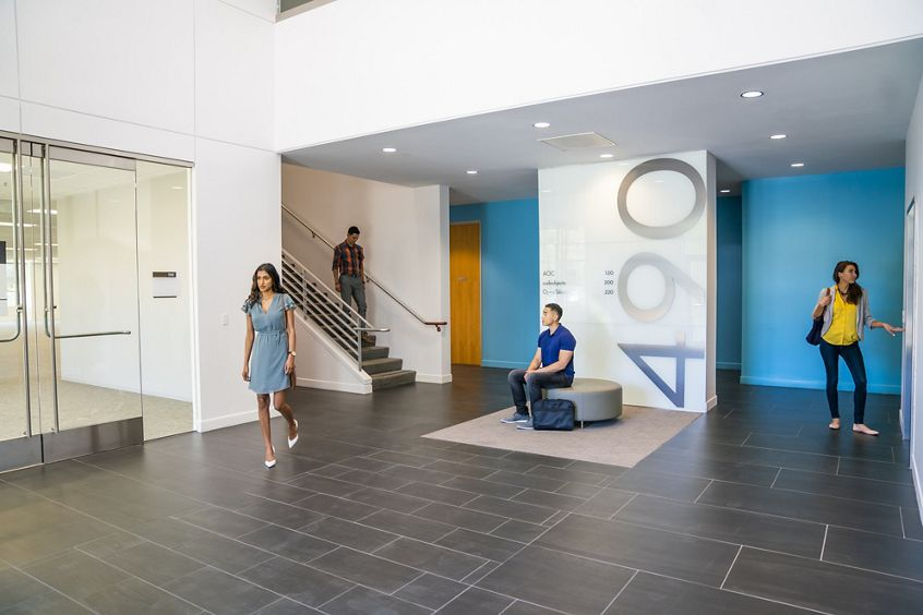 Lifestyle photography of the lobby at McCarthy Center - 490 N McCarthy Boulevard in Milpitas, CA
