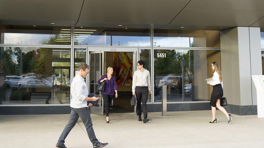 Lifestyle photography of Santa Clara Gateway building exterior at 5451 Great America Parkway, Santa Clara, Ca
