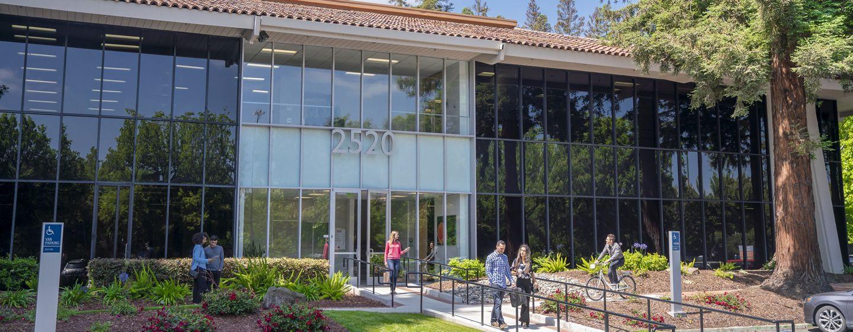 Lifestyle photography of the building entry at Santa Clara Park at Freedom Circle - 2520 Mission College Boulevard in Santa Clara, CA